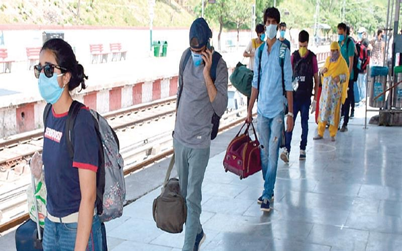 169 students arrive from Bangladesh