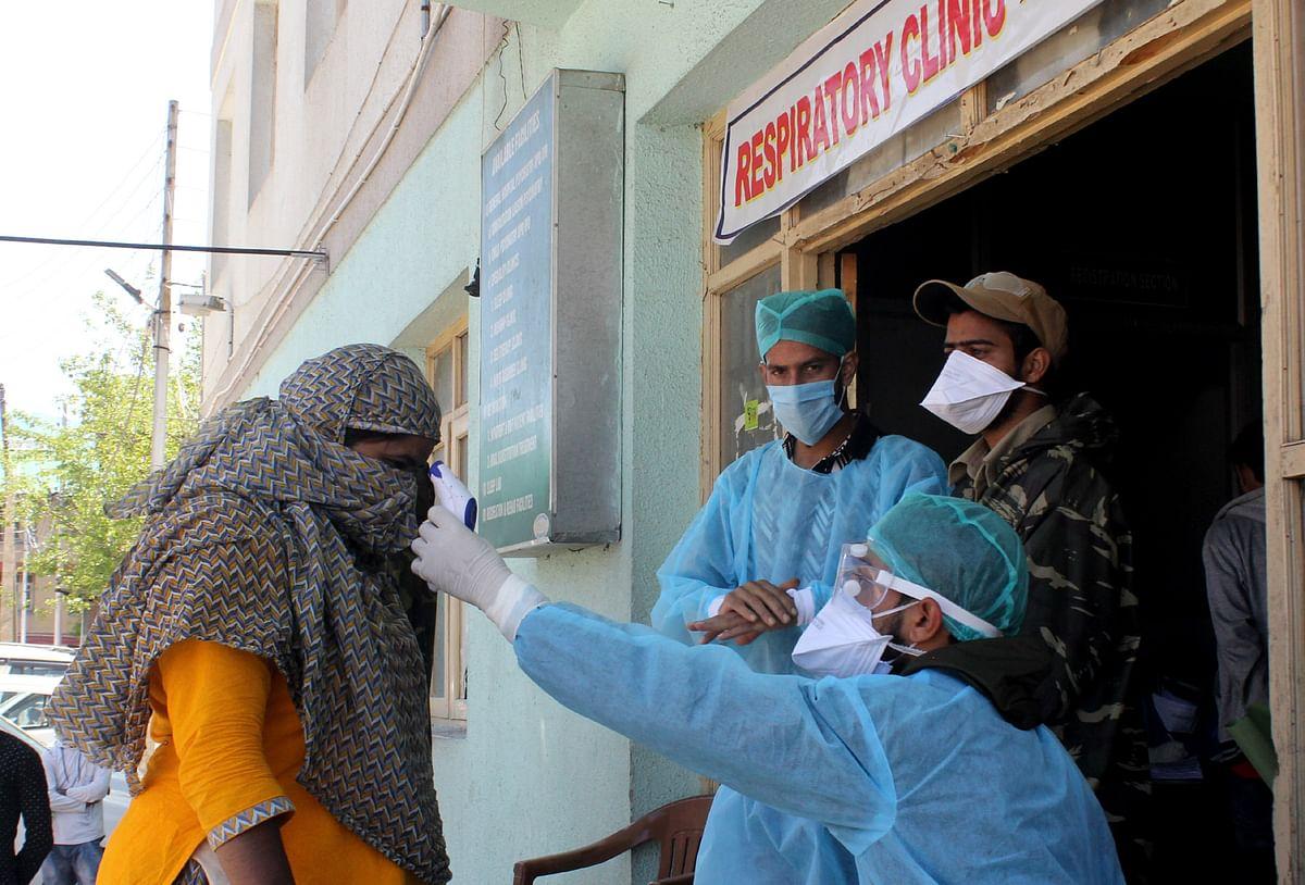 110 non-local labourers on way to Ladakh test positive in Qazigund
