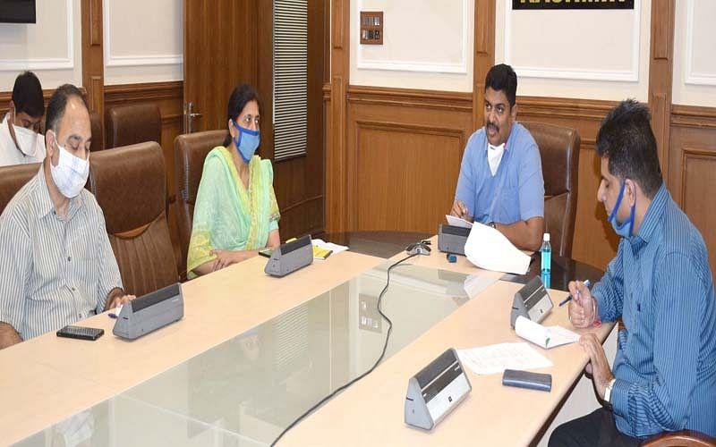 M Raju reviews progress on PMDP projects