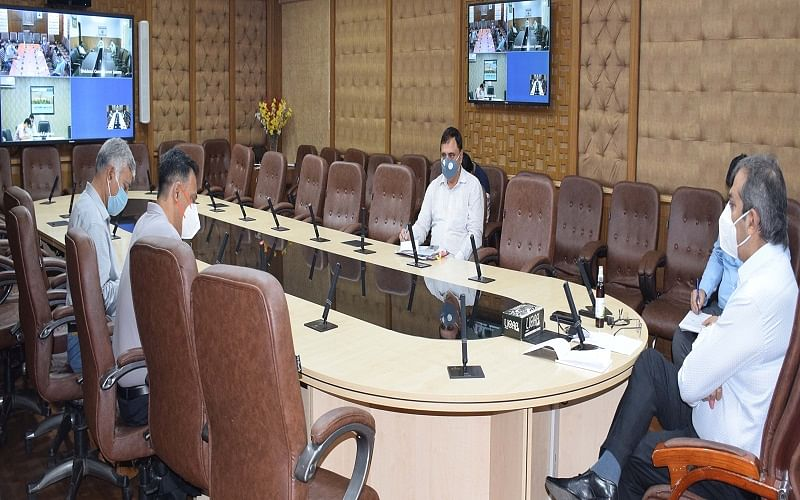 Advisor Baseer Khan reviews status of Bahu Fort-Maha Maya Ropeway Project