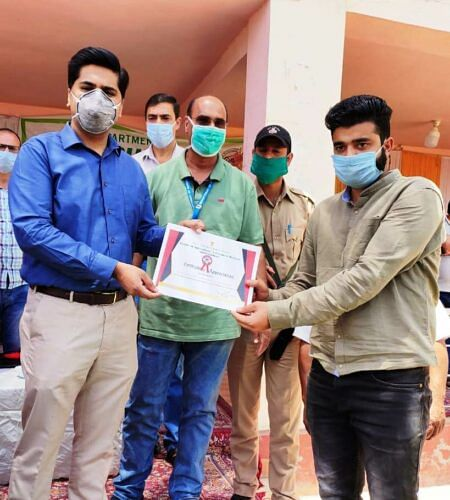DC Bandipora interacts with media persons
