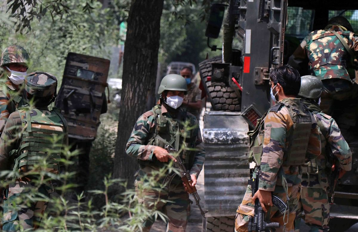 Militant killed as gunfight breaks out in south Kashmir's Tral