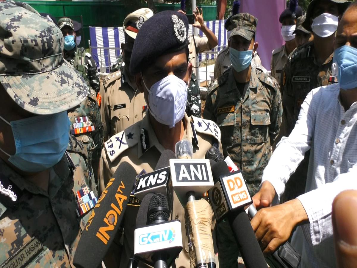 No army man killed in Pulwama gunfight, clarifies IGP Kashmir