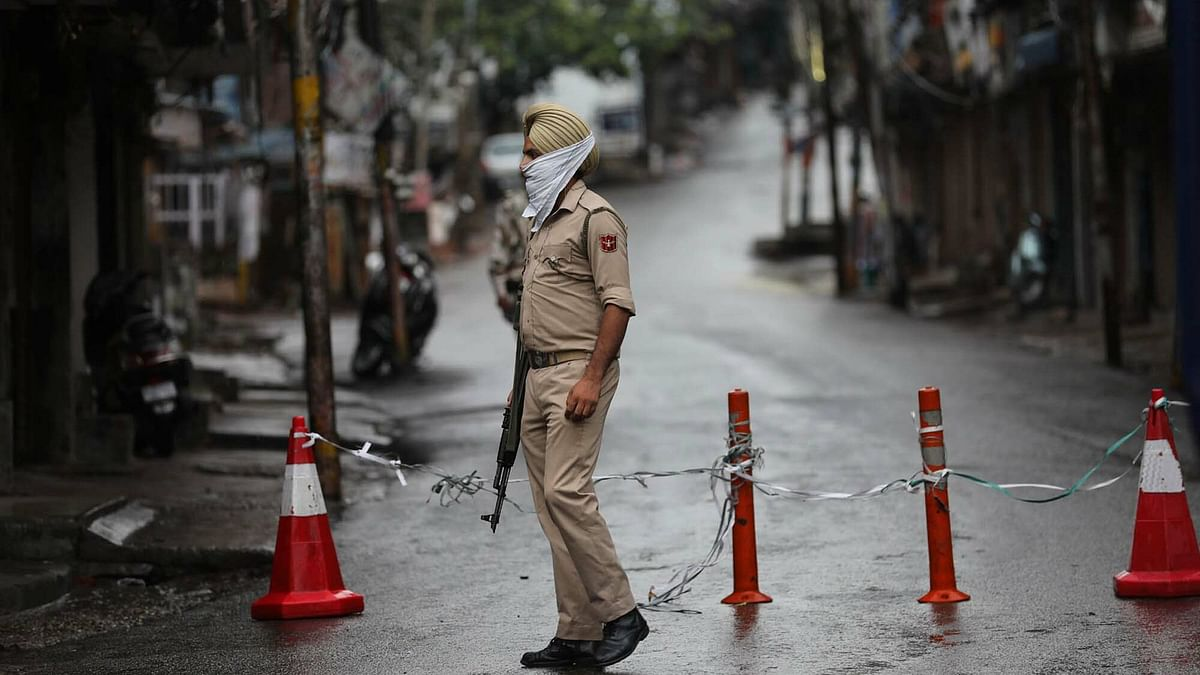 Weekend lockdown lifted in all J&K districts