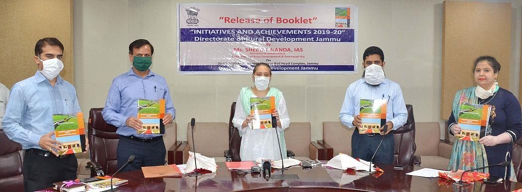 Sheetal Nanda releases brochure