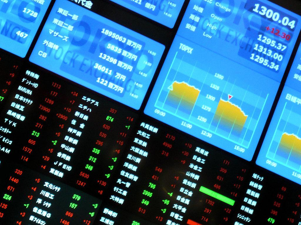 Trapping naive investors