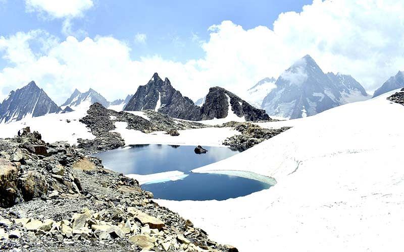 'Mt Eastern Pinnacle, Vale Head scaled by Kashmir trekkers'