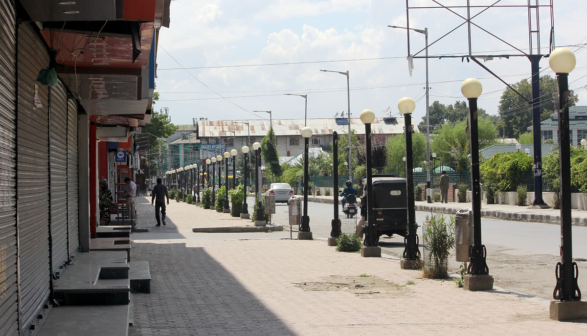 Lockdown restrictions continue in Kashmir