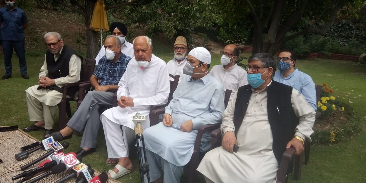 NC leaders meet at Abdullah's home, after admin tells HC no party leader in detention