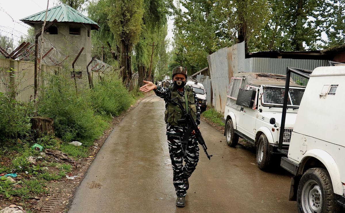 Militant killed, cop injured in Verinag gunfight