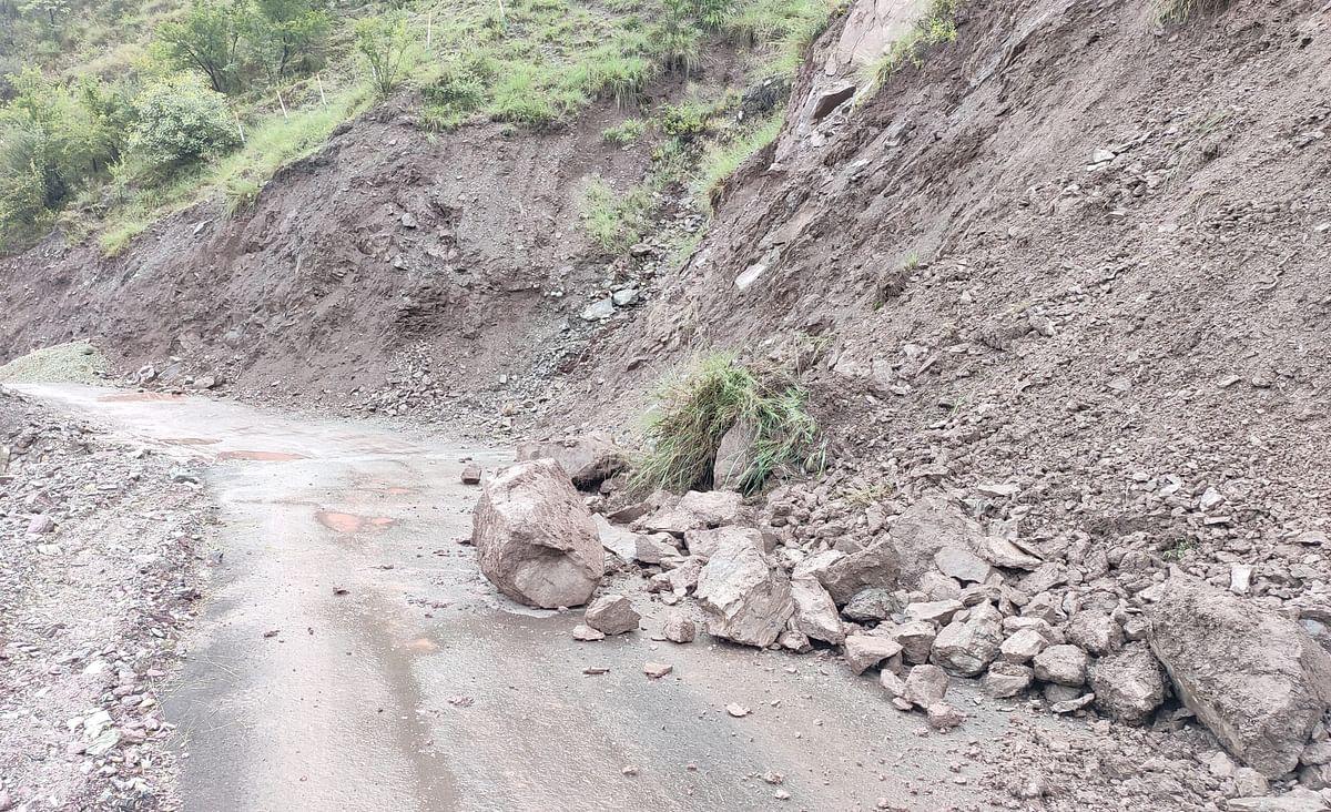 Uri road closed after rains, locals seek immediate restoration