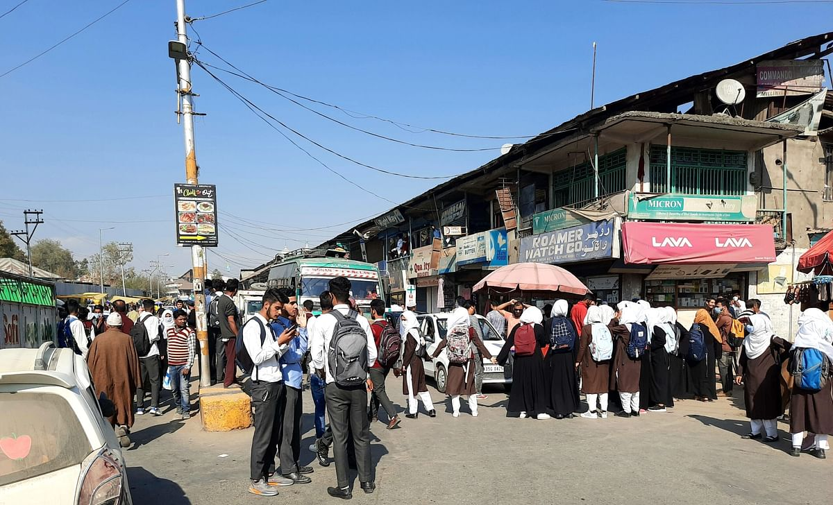 11th class students again hit the roads in Sopore, seek mass promotion
