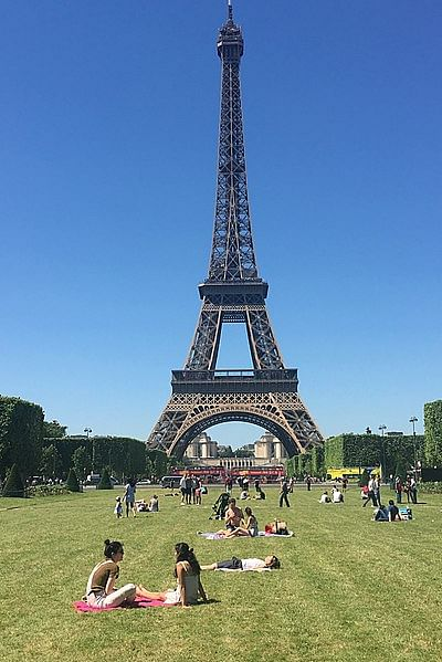 Two Muslim women 'stabbed' under Eiffel Tower in Paris