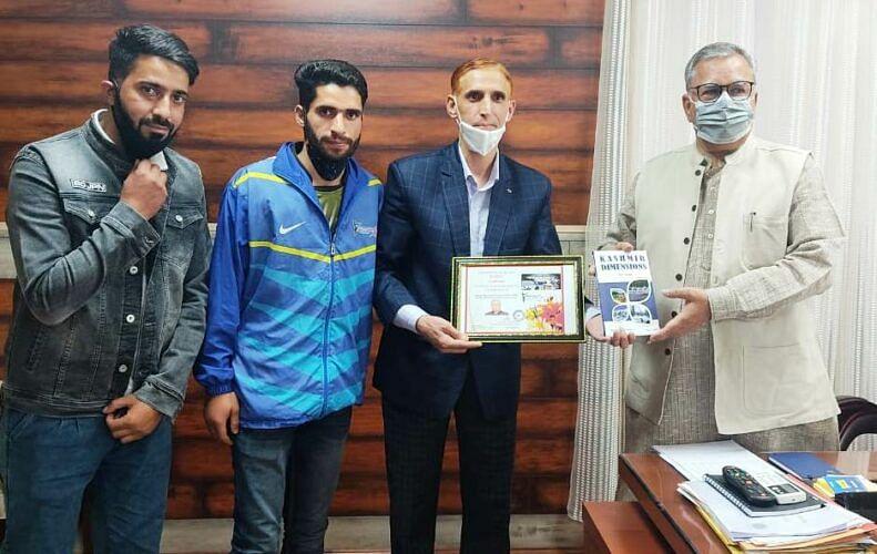 MACC Kashmir calls on Advisor Farooq Khan