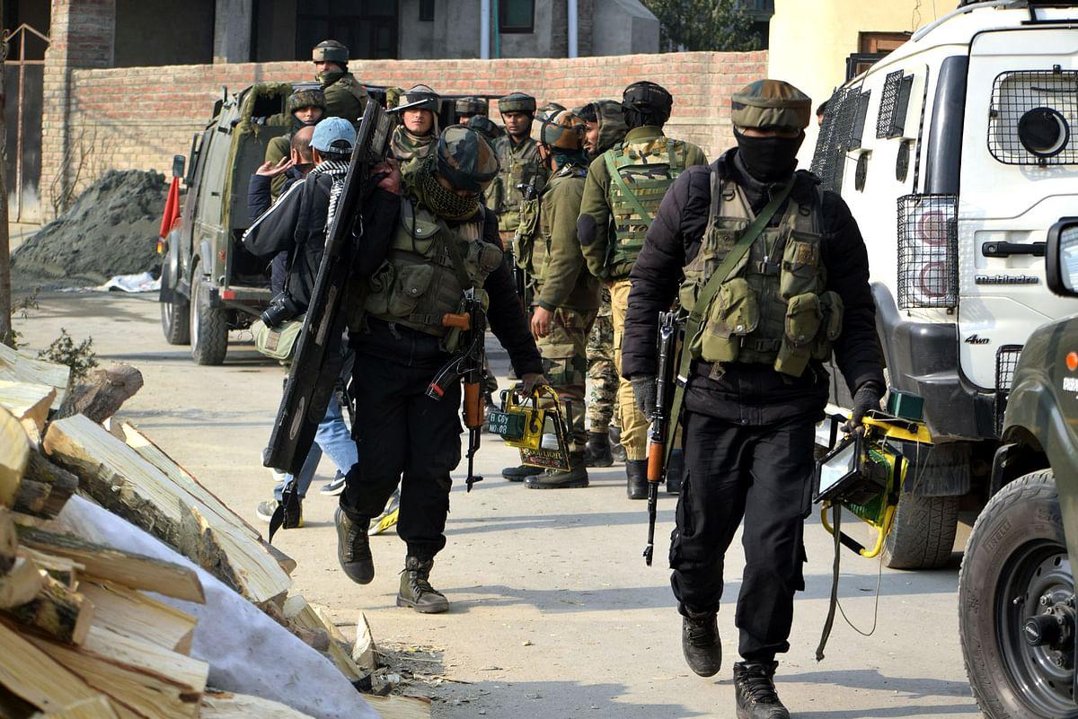 Gunfight breaks out near Mughal road  in J&K's Surankote