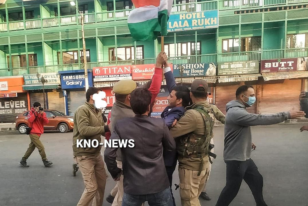 Three BJP workers from Kupwara detained while trying to hoist tricolour at Clock Tower in Lal Chowk