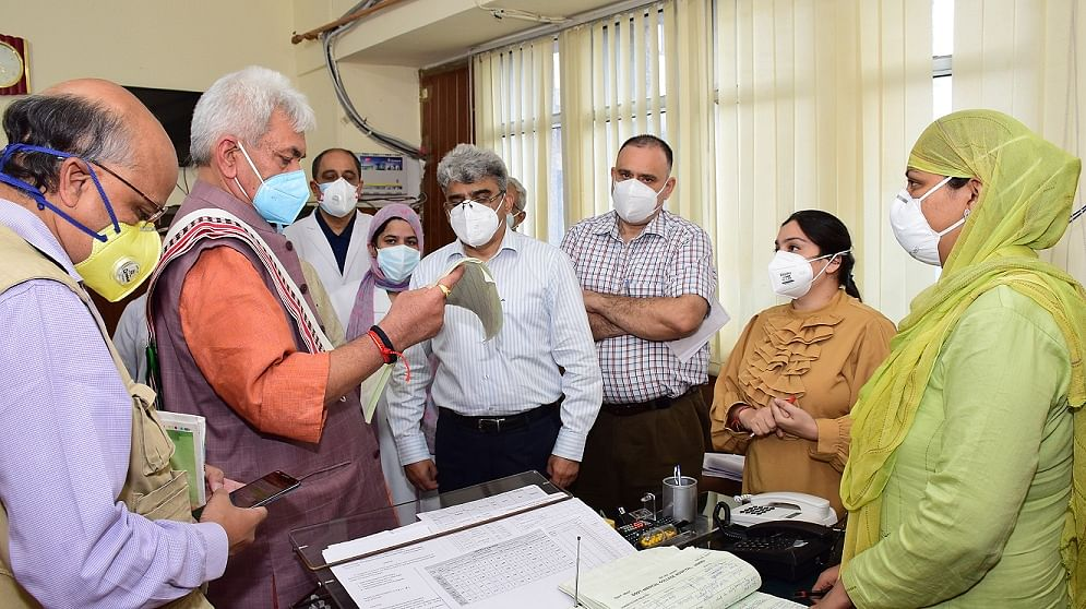 LG directs senior doctors to attend to Covid patients