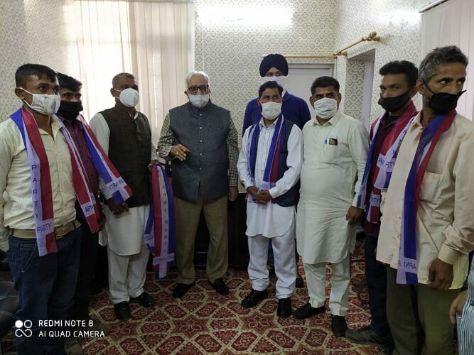 Apni Party urges LG to address sufferings of artisans