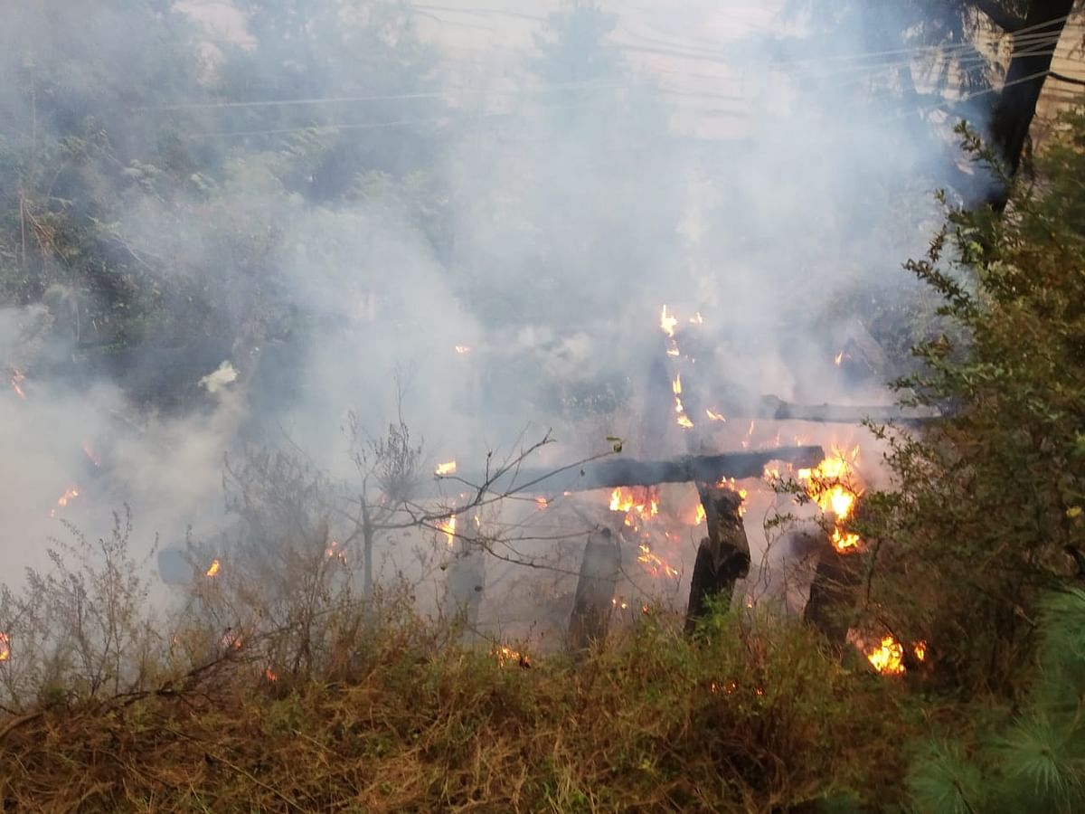 Fire breaks out in water canal of 100 yr-old Mohra power project in Uri