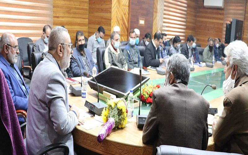 Director Agri chairs review meeting