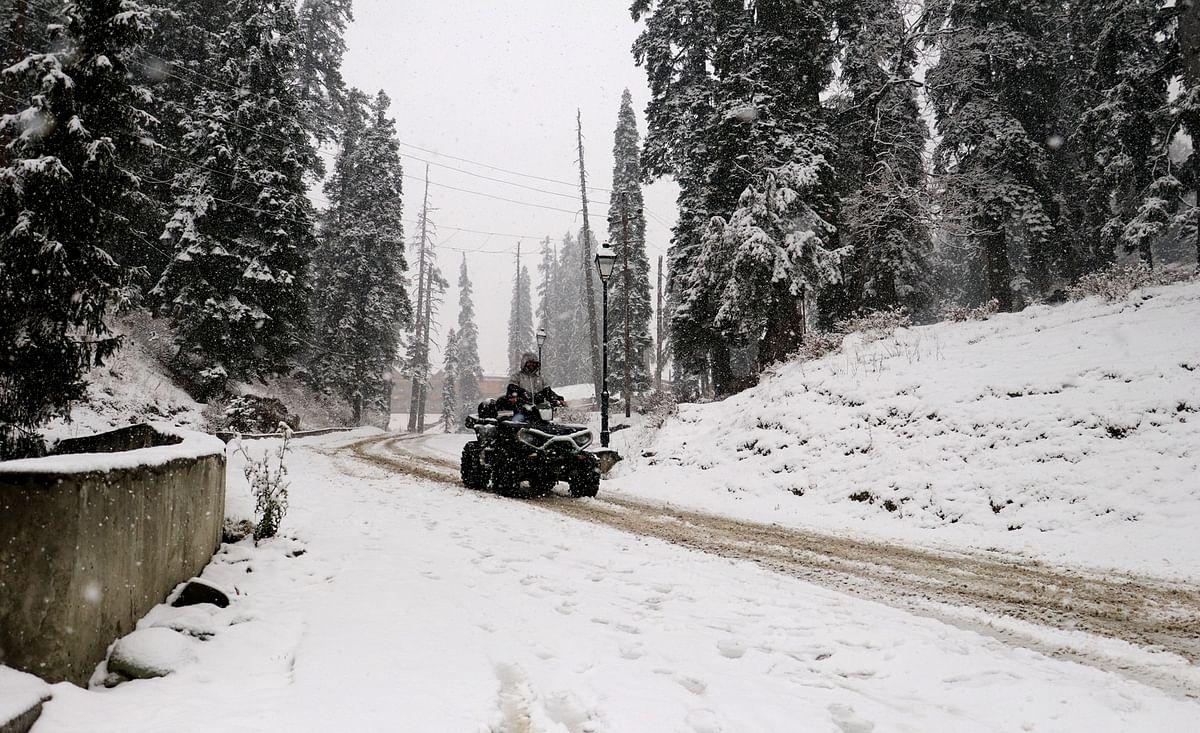 Cold wave intensifies in Kashmir, Gulmarg records minus 7.2 deg Celsius