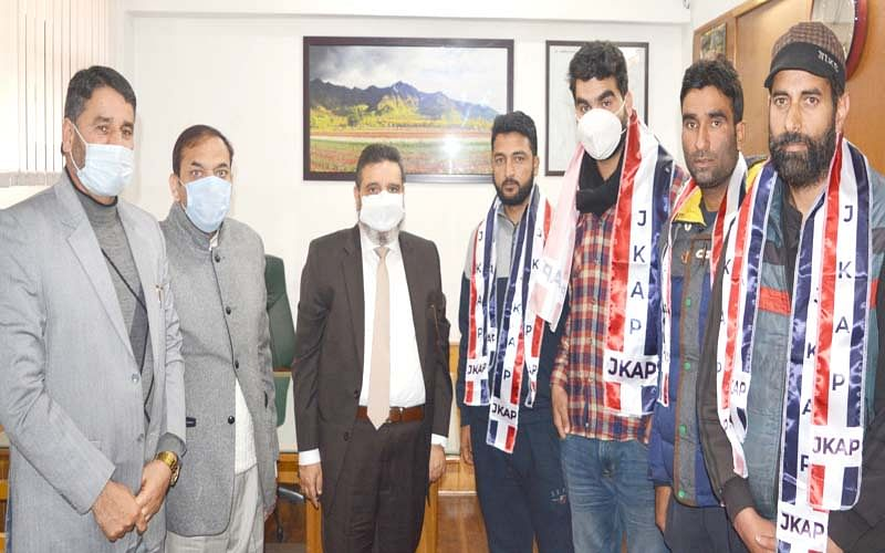 YNC district President, others join Apni Party