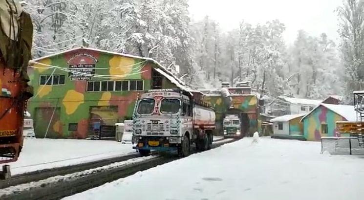 Jammu-Srinagar highway closed for traffic