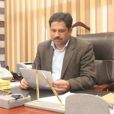 Srinagar mayor seals Joint Commissioner's office citing delay in granting building permissions