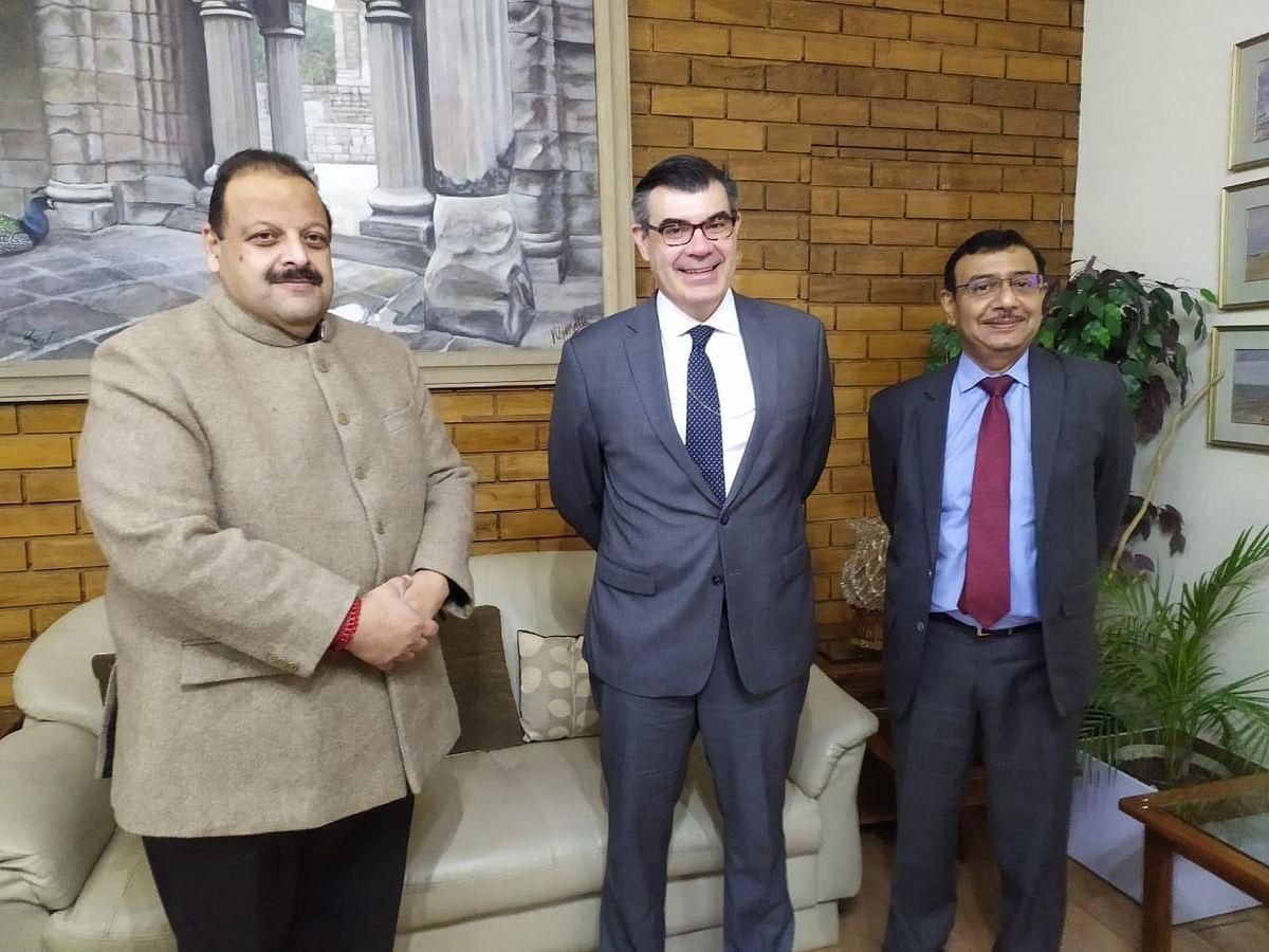 US embassy delegation meets NC leader in Jammu