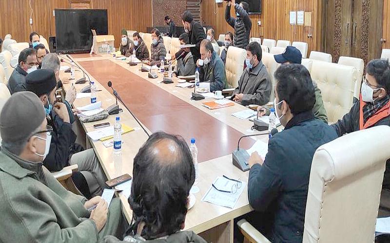 DEO Srinagar convenes meeting with representatives of political parties