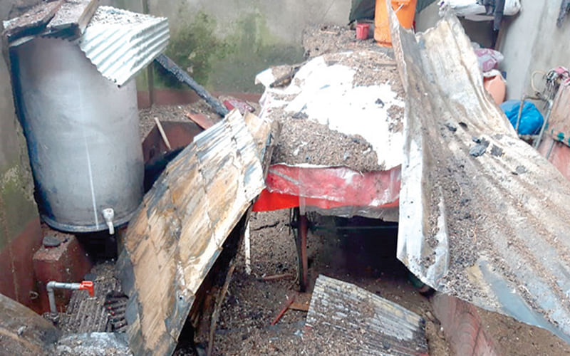 3 Bandipora houses gutted, locals appeal Govt for help