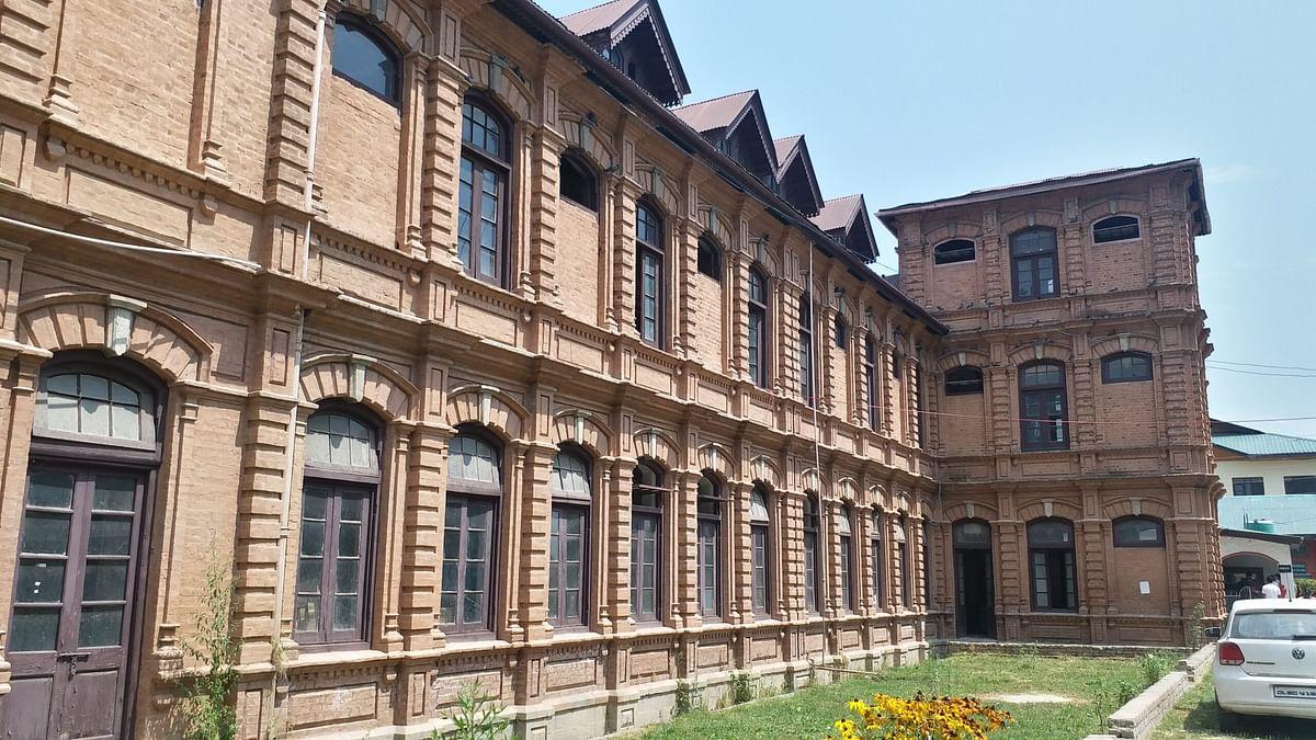VC Cluster University Srinagar visits Amar Singh College