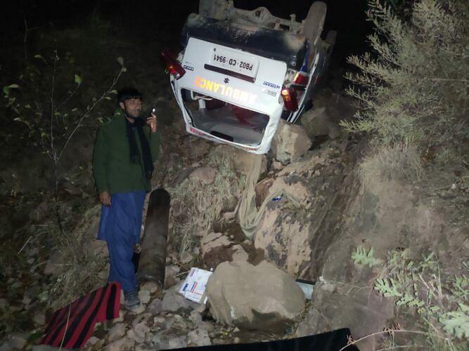 2 injured as ambulance turns turtle in Gool