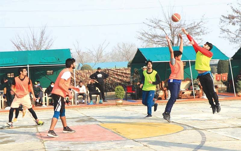Army holds sports event in Budgam
