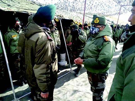 Army chief visits forward posts in eastern Ladakh