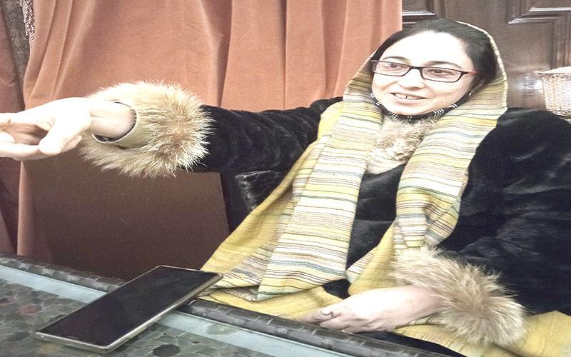 Darakhshan expresses concern over drug addiction among Kashmiri youth