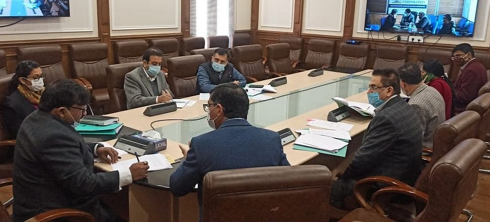 Dheeraj Gupta reviews progress on construction of Sewage Treatment Plants, other related works