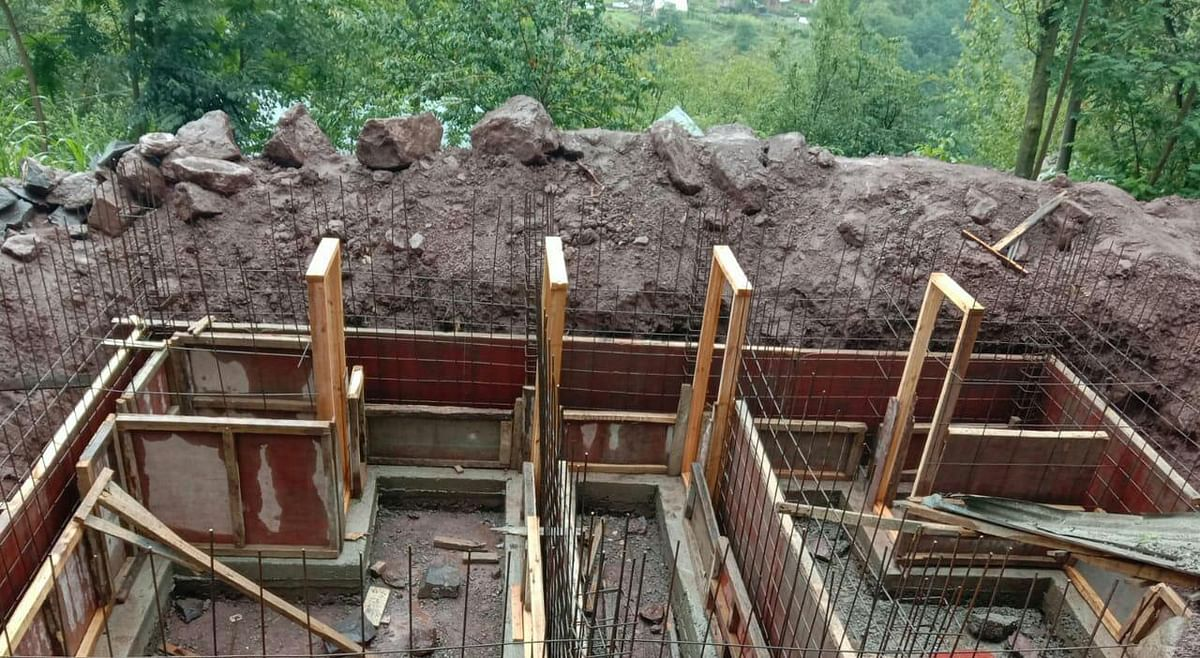 As winter sets in, slow pace of bunker construction worries border residents in Uri