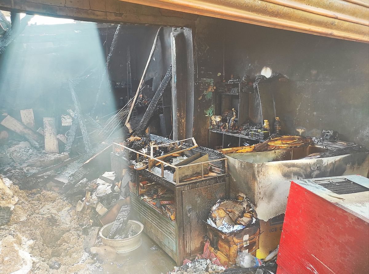 Three shops, residential house, SUV gutted in midnight blaze at Bhadarwah