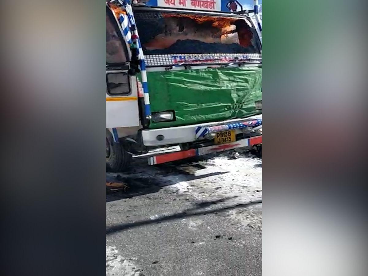 Truck catches fire on Srinagar-Kargil highway in Drass