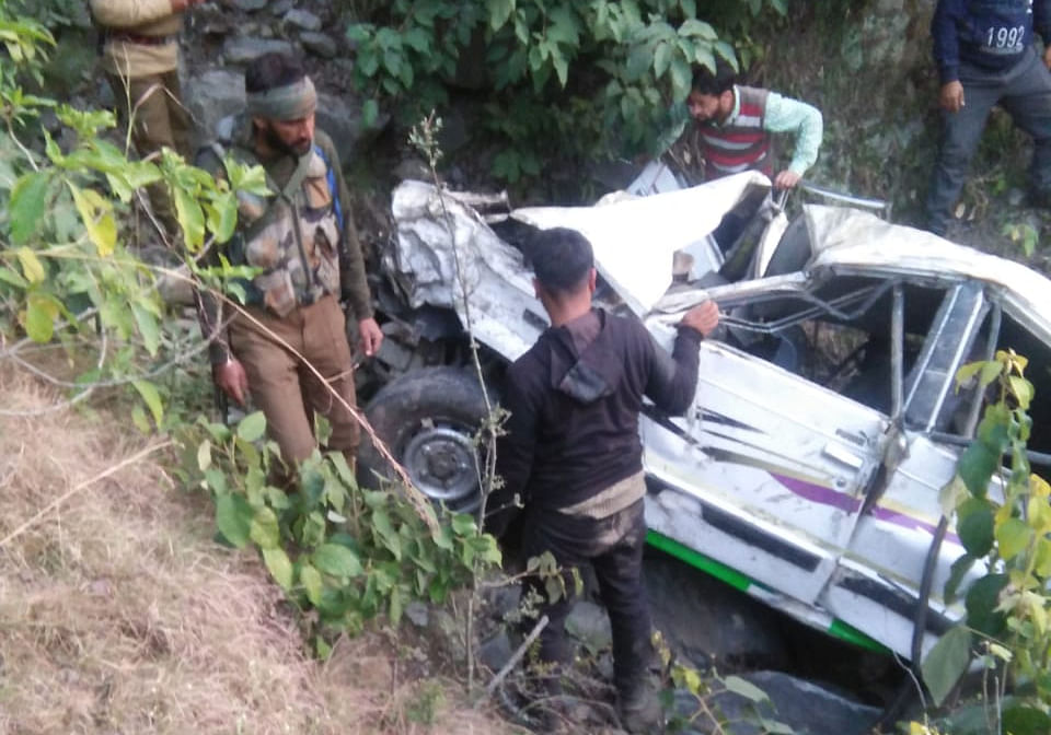 Three injured after cab hit by tanker rolls down into gorge on Jammu-Srinagar highway