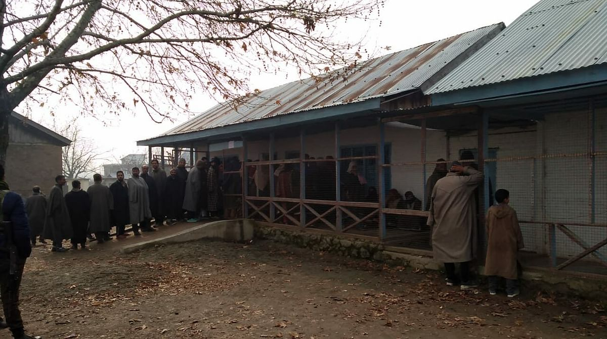 25.58% votes polled till 11 am in 3rd phase of J&K DDC elections