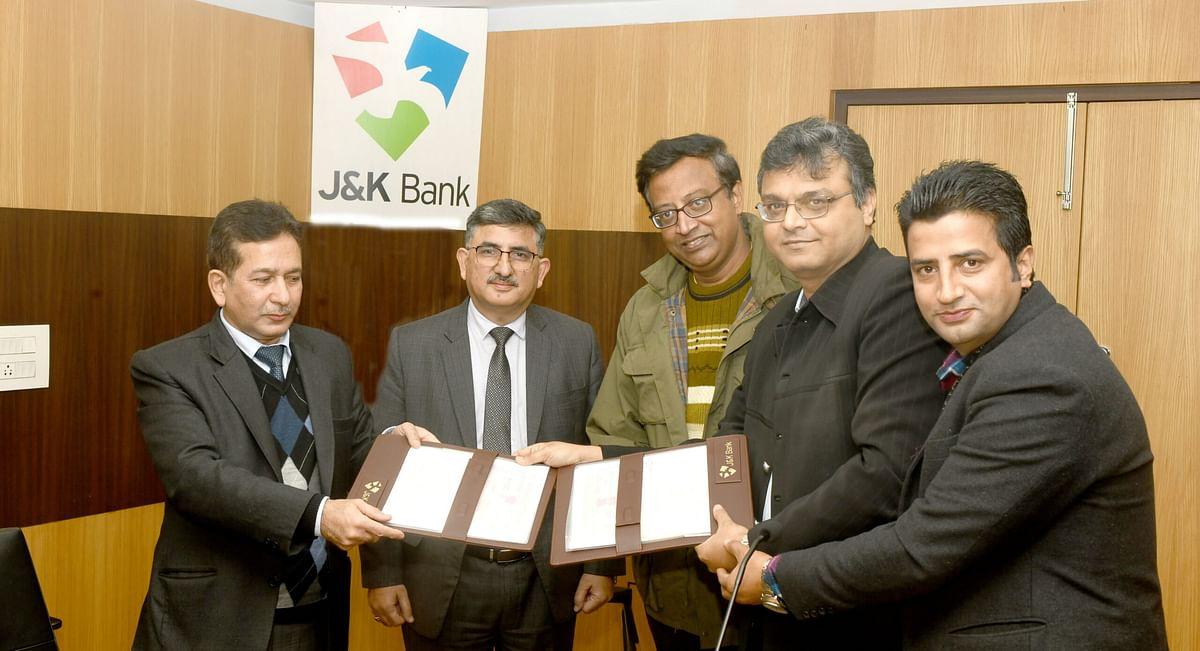 J&K Bank ties-up with Ashok Leyland