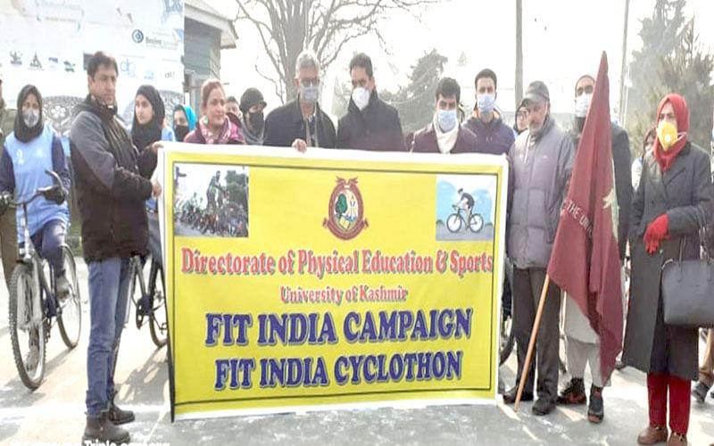 KU VC Prof Talat flags off 'Fit India Cyclothon'