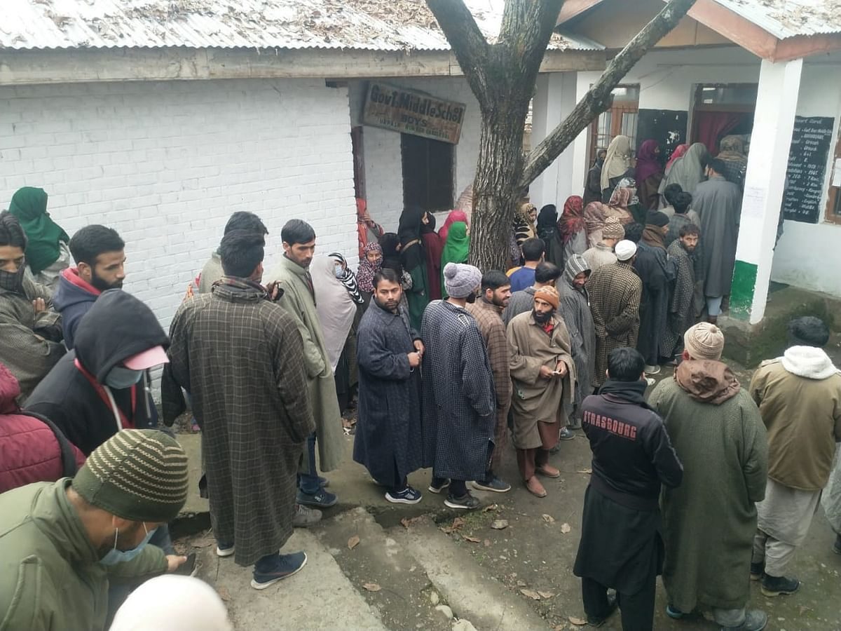 8.33% votes polled till 9 am in 3rd phase of J&K DDC elections