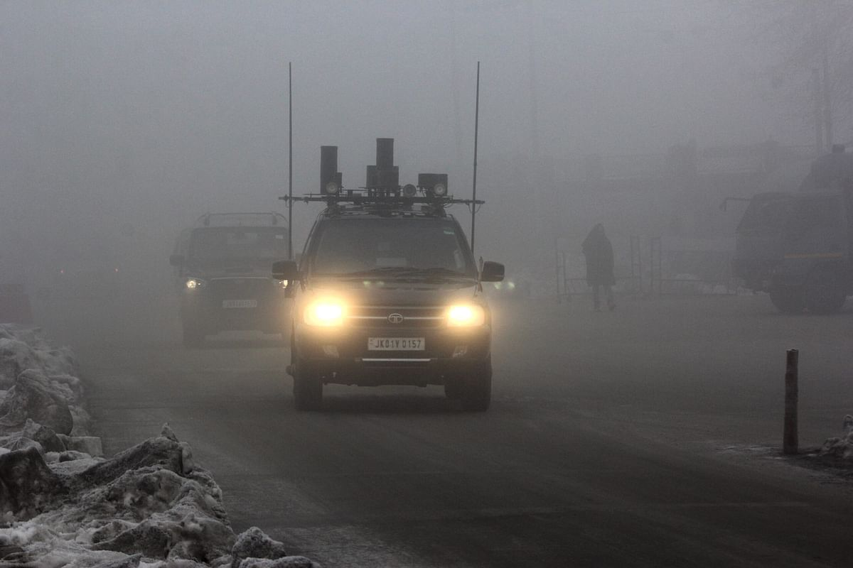 Srinagar shivers at minus 7.6° C, dense fog affects visibility