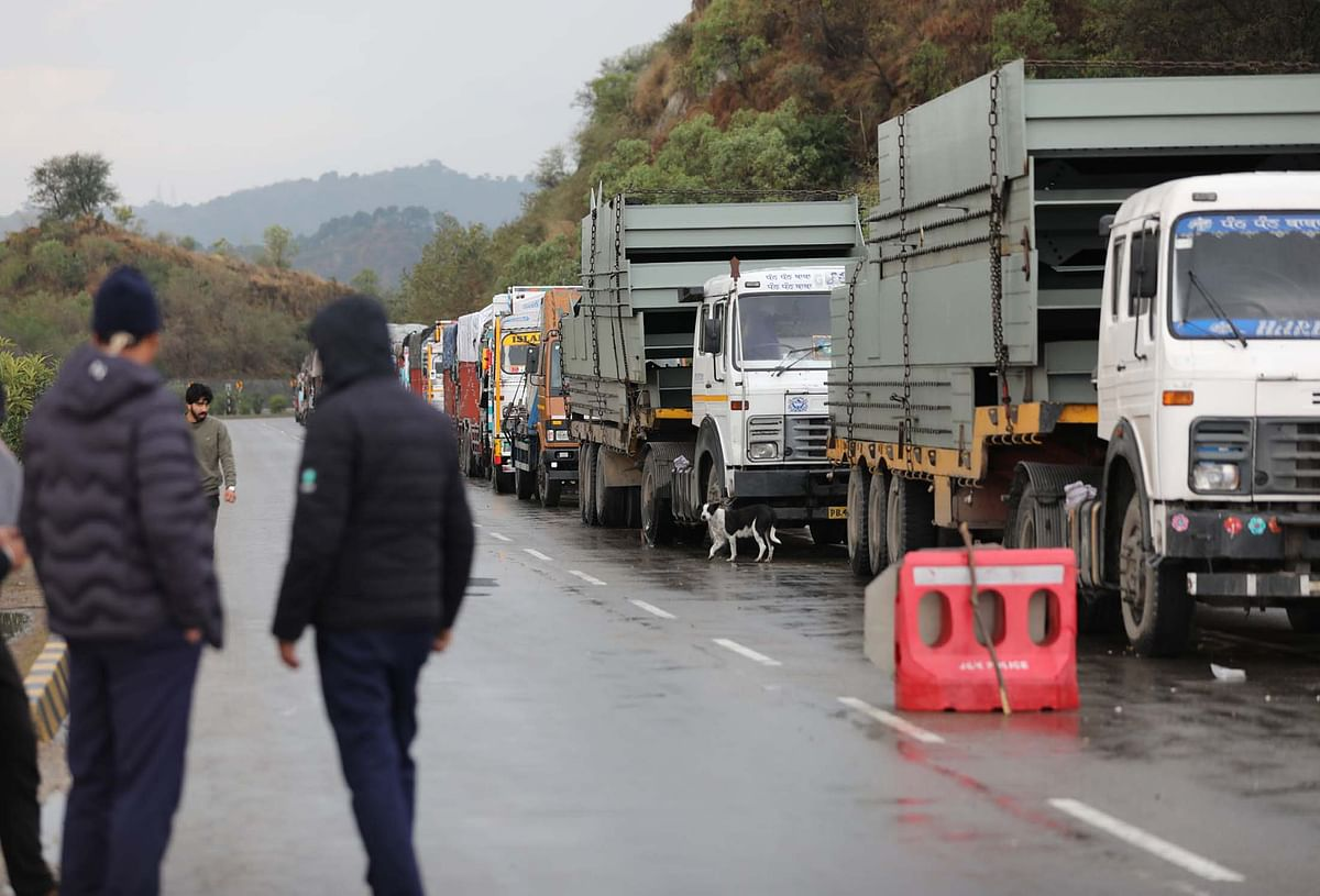 One-way LMV traffic from Jammu on highway tomorrow subject to motorable road conditions