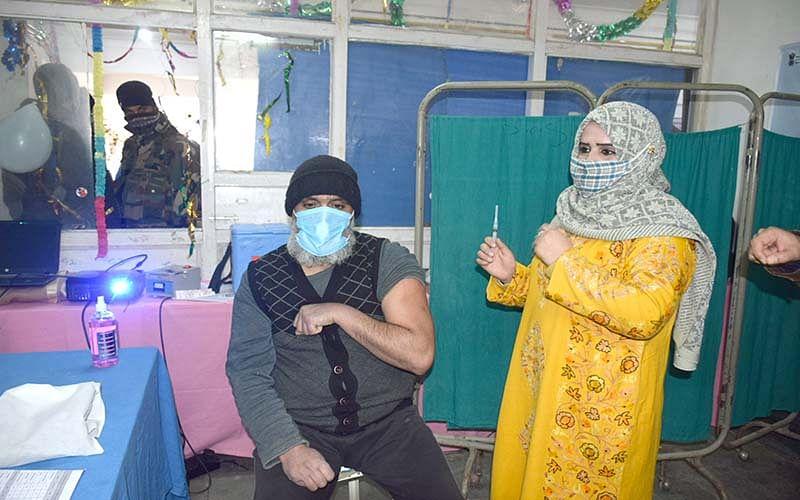 Srinagar residents demand streamlining of COVID19 vaccination drive