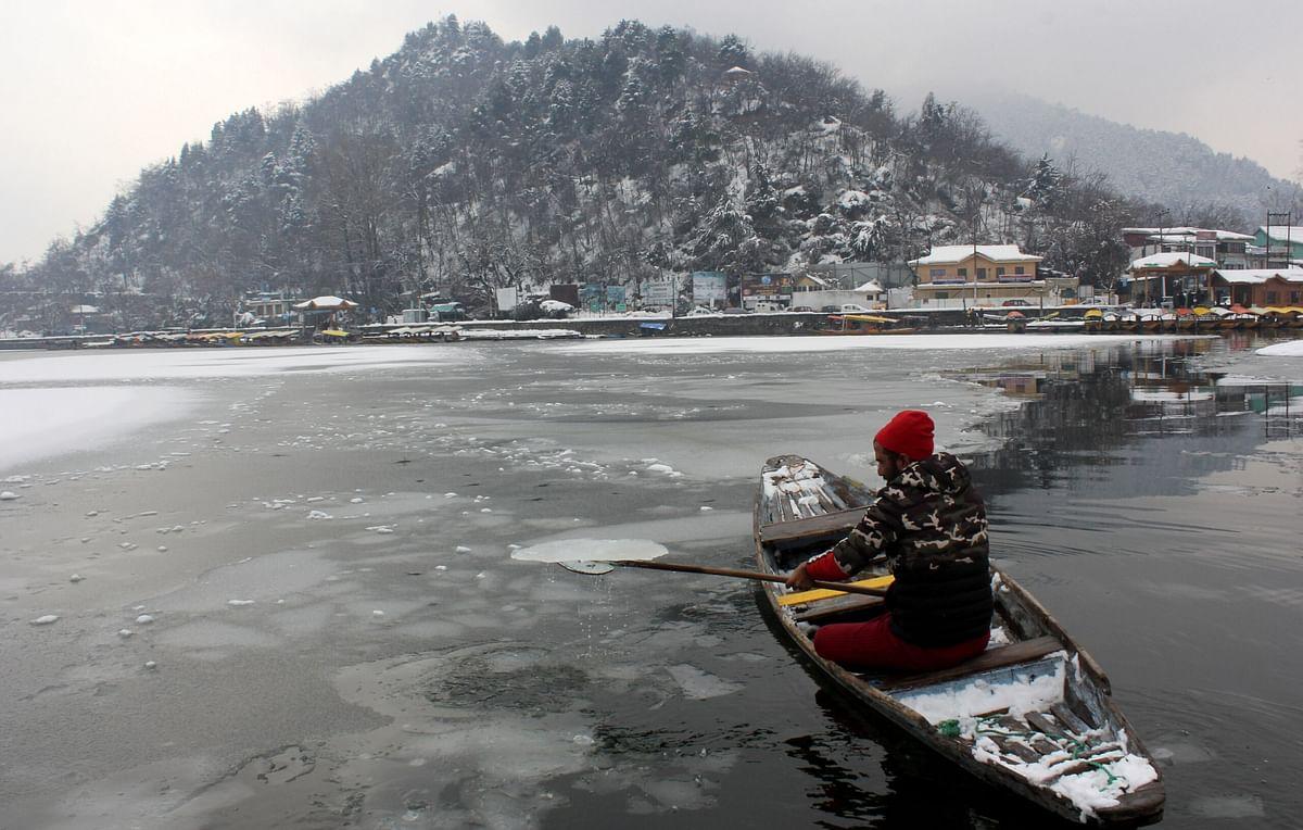 Gulmarg freezes at minus 9.6°C, night temp rises elsewhere in Kashmir