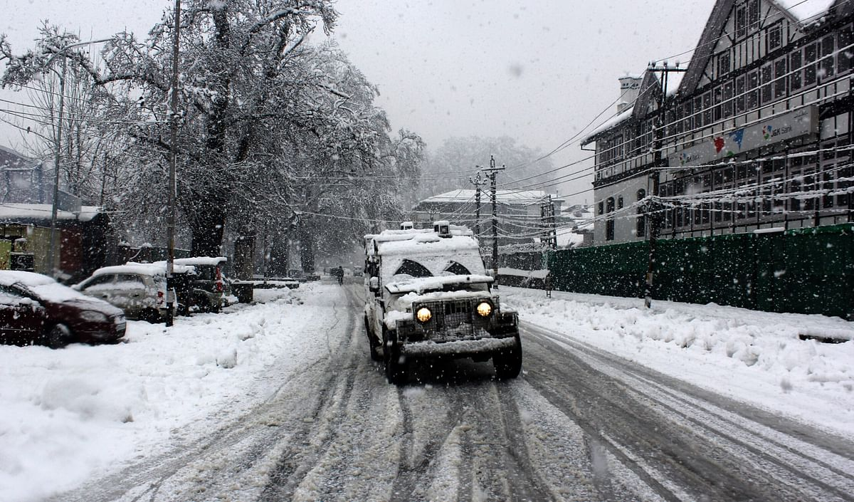 Search operation launched in Shopian despite biting cold, thigh-high snow